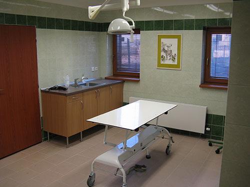 Pohled do místonosti pro malé zákroky ve Veterinární ordinace v Šenově